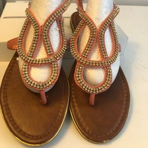 385 Fifth - Woman's Peach Sandals - Size 9